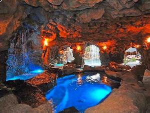 Drakes Grotto