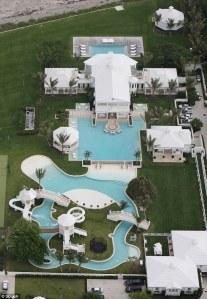 pool celine dion (hookedonhouses)